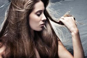 cabelos-oleosos-bysamia-aromaterapia