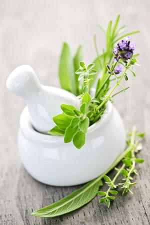 aromaterapia-ervas-oleo-essencial-bysamia