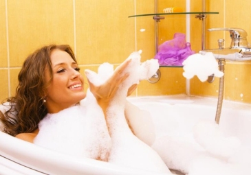 banho-banheira-aromaterapia-bysamia